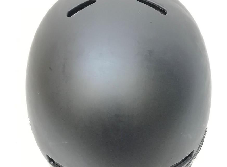ヘルメットのステッカーの剥がし方_剥がした跡